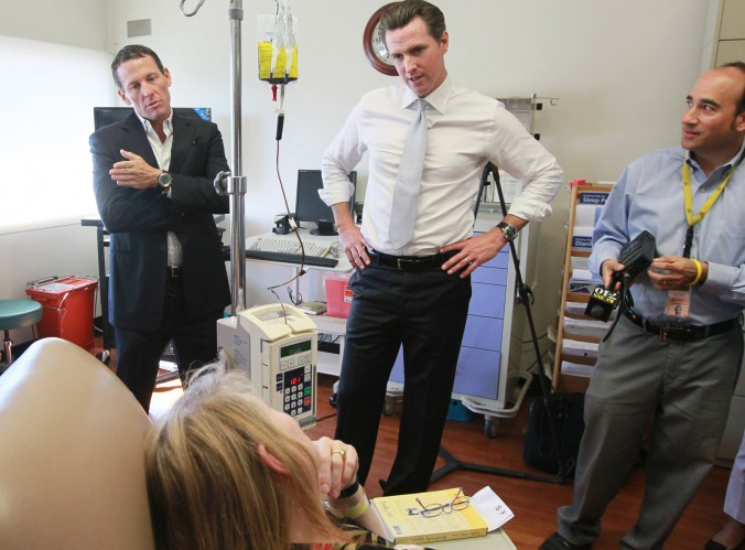 Lance Armstrong and Gavin Newsom visit cancer patients at SF General Hospital